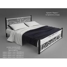 Кровать металлическая Tenero Нарцисс на деревянных ногах